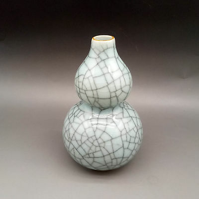 Chinese Creative Fragment porcelain Hand-made Exquisite Gourd Model vase    A556
