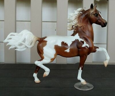 Breyer 2006 JCP Holiday SR Chestnut Pinto Huckleberry Bey. #410146. Factory New!