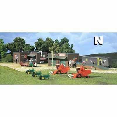 Woodland Scenics 66100 N-Scale Gold KIT Olsen Feed & Larson's Implement DPM