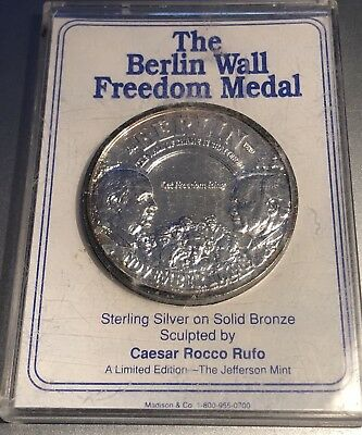 The Berlin Wall Freedom Medal Coin Sterling On Solid Bronze Jefferson Mint-