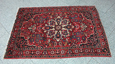 Old Antique Hand Made Traditional  Wool Rug 200x140cm- Beautifully Patterned