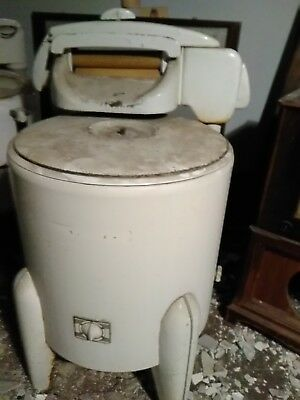 Speed Queen Wringer Washing Machine Vintage With agitator  Pick up Greenville OH