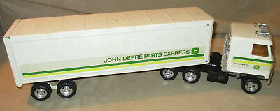 ERTL John Deere Parts Express Metal Tractor Truck and Trailer Chevy Titan Cab