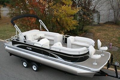25 GT Cruise bowfish pontoon boat with 115 four stroke - dual bunk trailer