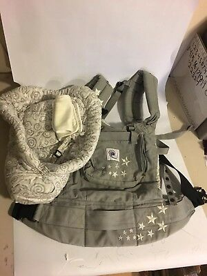 Ergo Baby Carrier with Infant Insert Grey.