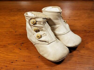 Vintage Antique White Leather Childs Baby Shoes Bakelite Buttons