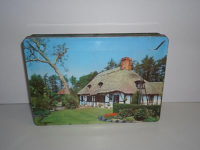 T178 Collectable English Thatched Roof House Empty Biscuit Tin