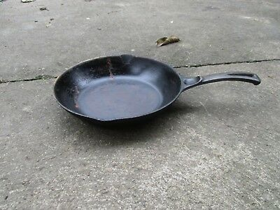 Vintage Wagner Ware Chef Skillet 9 inch 13860 Antique Cast Iron
