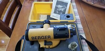 berger automatic level NAL 22 with case
