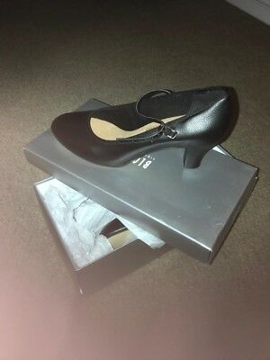 Size 5.5 Block New Yorker (Character Shoes)
