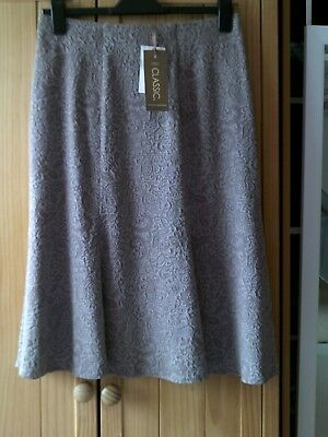 bargain nwt size 12 m&s skirt