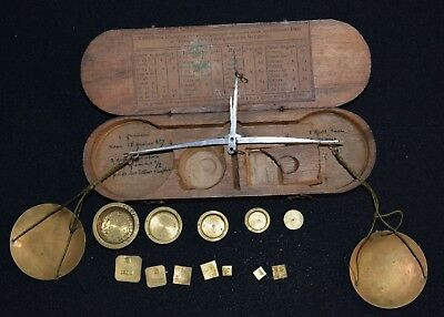 French  steel beam Coin weigh scale set in wooden box