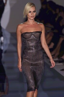 299618ac5 Iconic Tom Ford x Gucci SS 2001 Stretch Leather Nude Corset Runway Dress Sz  0 2