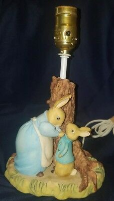 VINTAGE Beatrix Potter Peter Rabbit Nursery Lamp Works Perfect!