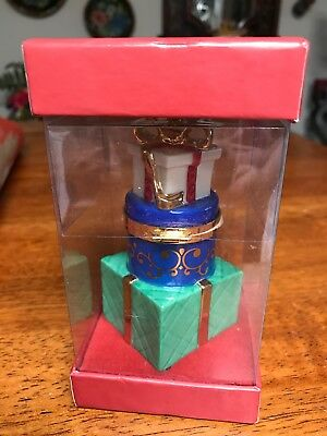 LENOX CHRISTMAS TREASURE BOX Ornament A GREAT WAY TO HIDE A GIFT on TREE New(1ZL
