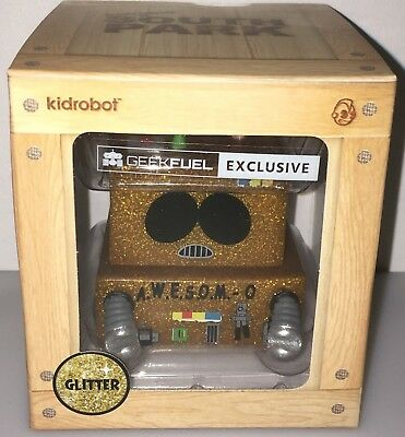 New South Park Cartman Awesom-O 4000 Glitter Figure Kidrobot Geek Fuel Exclusive