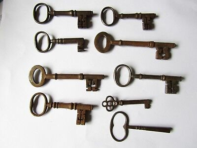 A Collection of BETTER Victorian Keys Door/Cabinet/Clock/Furniture