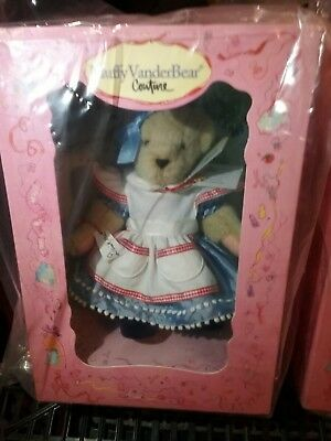 Muffy VanderBear Couture  Alice in Wonbearland