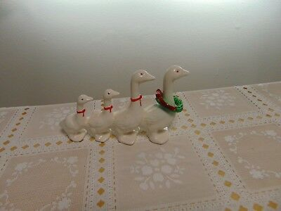 Ducks in a Row Figurine Family of 4 Walking Porcelain Red Bows and Wreath