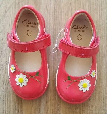 New Baby Girls Clarks Leather First Shoes Pink Patent Flower Design Size 5G