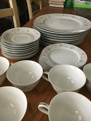 English Garden Fine China Style - # 1221 - Made in Japan - 38 Pieces