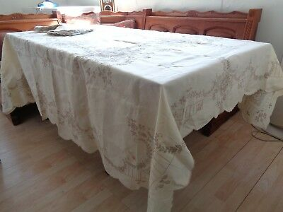 """LINEN TABLECLOTH 142 X 104"""" IVORY WITH 24 NAPKINS, 18x18"""" ELEGANT, A Few Stains"""