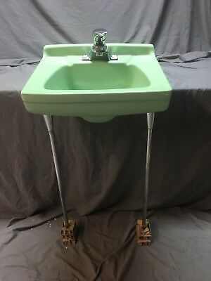 Vtg Mid Century Ceramic Jadeite Green Wall Mount Bath Sink Chrome Legs 508-18E