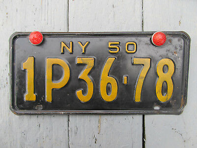 1950 New York Car License Plate 1P36-78 with Wing Nut Reflective Button
