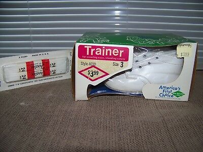 BRAND NEW 1970's WEE WALKER Baby Shoes White Leather Size 3 Unisex Style 4030