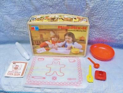 Tupperware Mini-Mix-It Children's Mixing Set ~ Child Tested ~ Toys in Box