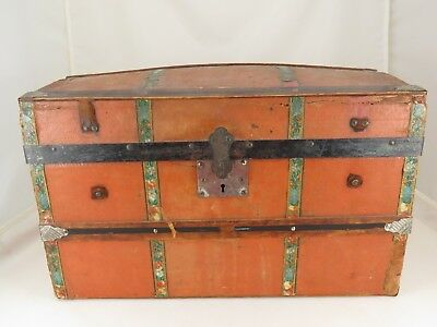1890's ANTIQUE DOME TOP DOLL TRUNK w/TRAY METAL WOOD LEATHER TRIM NO KEY 4 LOCK