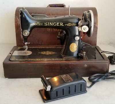 Singer 99-13 Sewing Machine w/ Bentwood Case & Power Cord *WORKS* WATCH VIDEO