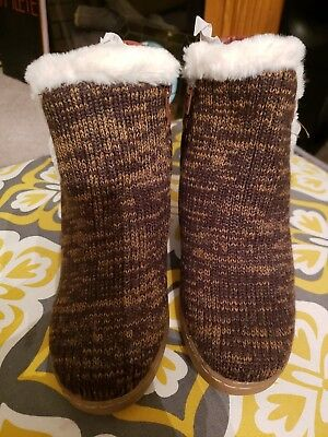 Mukluks Wedge Sweater Boots Size 9 Brown