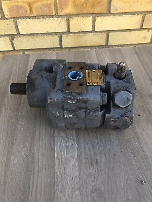 F& W Industrial  Hydraulic Motor  25X300Udasplot102 Shaft 28.67Mm   Incvat