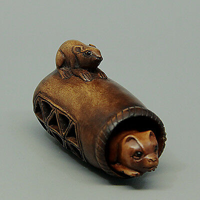 "1940's Japanese handmade Boxwood Wood Netsuke ""Rat And Cat"" Figurine Carving"
