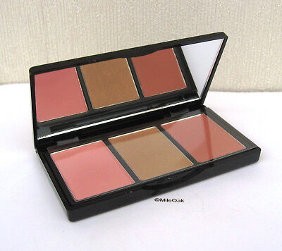 Elizabeth Arden  2 Blush/1 Highlighter Palette - New