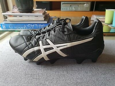 Asics Football Boots, AFL/Soccer/Rugby. Excellent condition