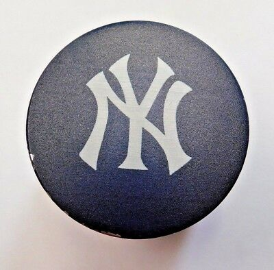New York Yankees 4 Piece Magnetic Herb Grinder 2 Inch Aluminum