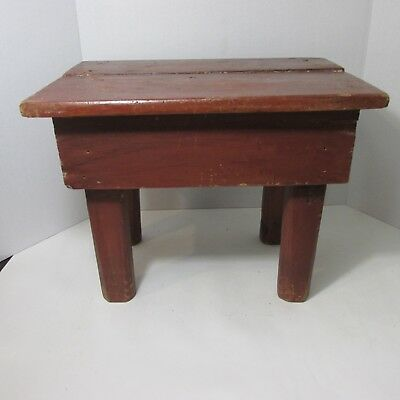 Antique VTG PRIMITIVE Distressed Paint Barn Red Wood Stool Peg Legs Milking