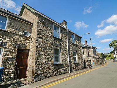 Weekend Holiday House Cottage to let, Bala North Wales sleeps 6-7. 3 Bedroom.