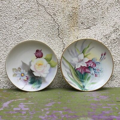 2 Vintage Hand Painted Flowers Mini Hanging Plates T.Hunuta Signed Made In Japan