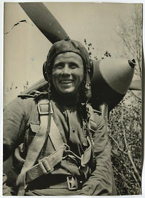 Wwii Large Size Press Photo: Smiling Russian Air Force Pilot