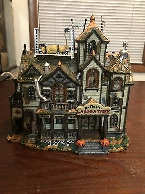 2002 Lemax Spooky Town Dr Tingles Laboratory Lighted Sound Halloween Village