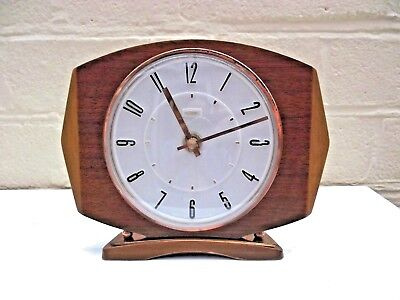 Vintage Metamec Battery Mantel Clock - Junghans-Germany Mechanism