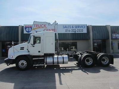 2008 Mack CXU613 T/A Sleeper