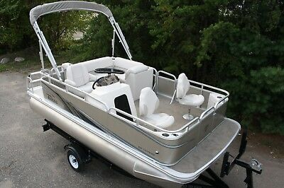 New 16 Ft pontoon boat with 25 four stroke and trailer