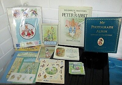 The World Of Peter Rabbit Postcard Books/30 Cards And Peter & Friends Soft Toys