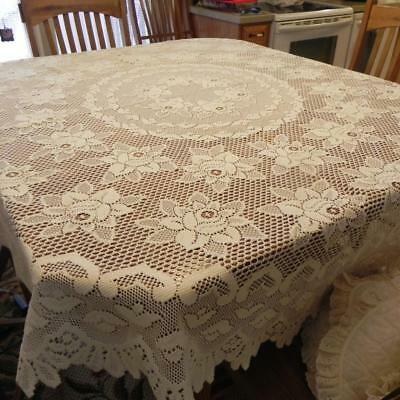 """#1772 Vintage Ivory Flowers 70"""" Round Tablecloth Table Linen Scalloped"""