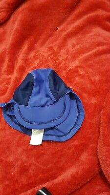 Lovely boys H&M blue fashion swimming hat age 2-6mths