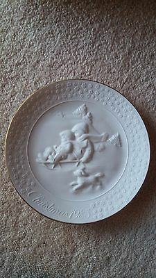 "AVON 1985 'A Child's Christmas' 8"" White Porcelain Plate with 22K Gold Trim"
